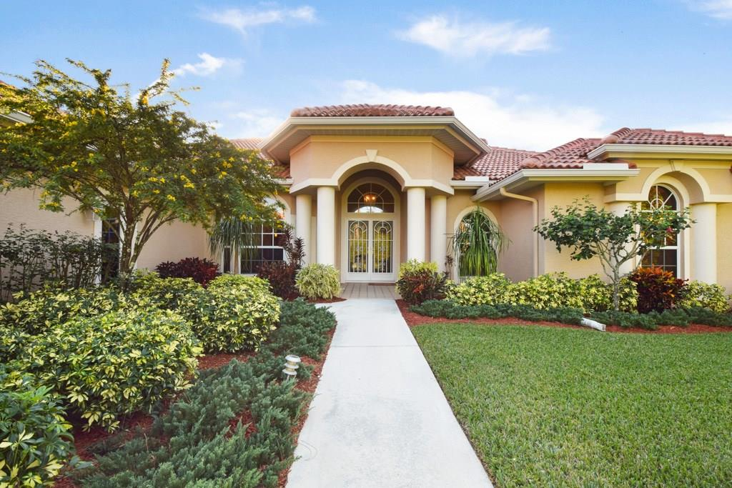 8600 SE Gomez Avenue, Hobe Sound, FL 33455