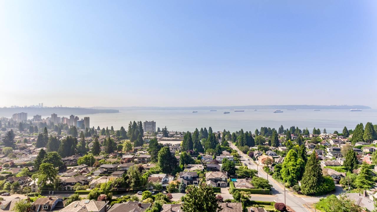 2479 OTTAWA AVENUE, West Vancouver, BC V7V 2T2