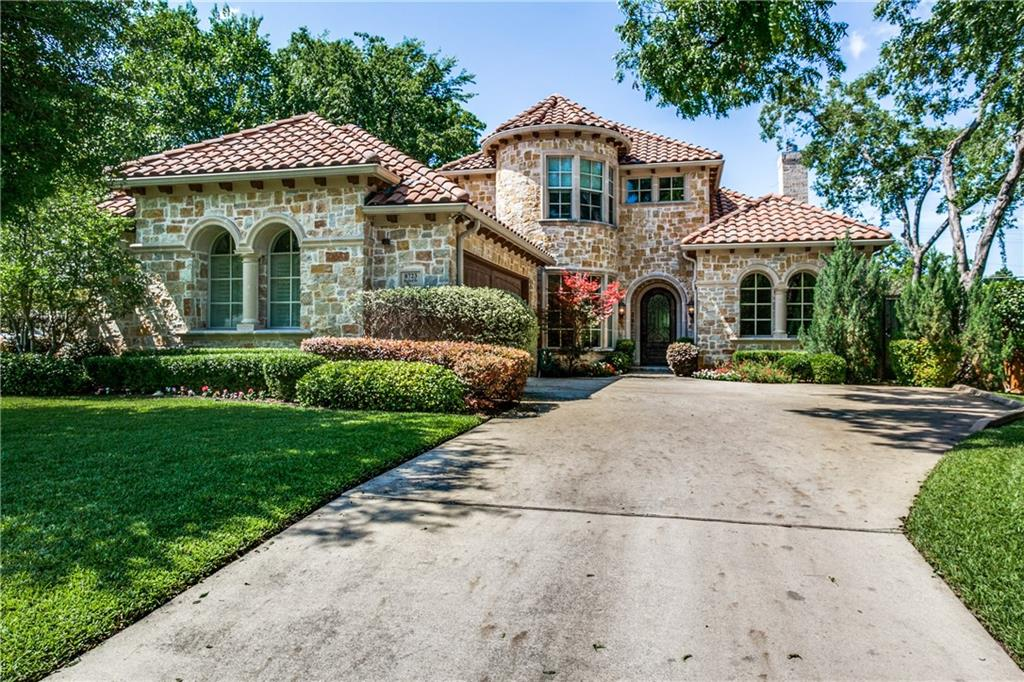 Stunning Tuscan inspired 2 story home located near Bluffview on oversized lot. Gracious entry foyer opens to spacious dining & private formal library. Chef inspired fully equipped kitchen w Viking appliances, granite counters, butler's pantry & breakfast room opens up to the large family room w cast stone fireplace. Wall of windows in the family room and breakfast room offers abundant light & picturesque views of the back yard. Heated pool features wet deck & spa. Master bedroom down & master bath boasts double vanities, huge walk in closet, separate jetted tub & glass enclosed shower. Three beds, 2 baths, generously sized game room and a bonus room up– both which have gallery lighting. This is a must see home!