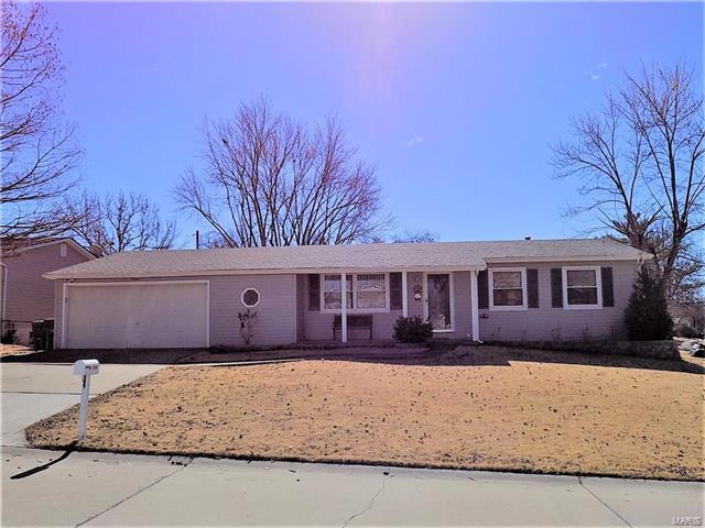 11964 Glenoak Drive, Maryland Heights, MO 63043