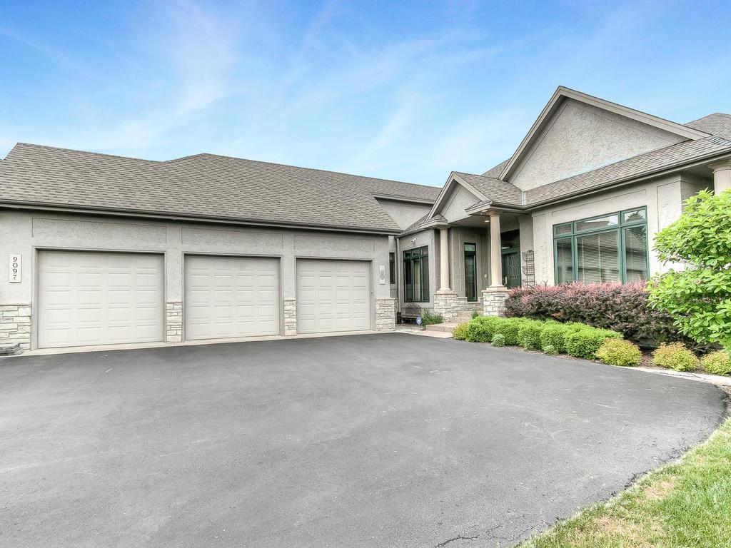 9097 Breckenridge Lane, Eden Prairie, MN 55347