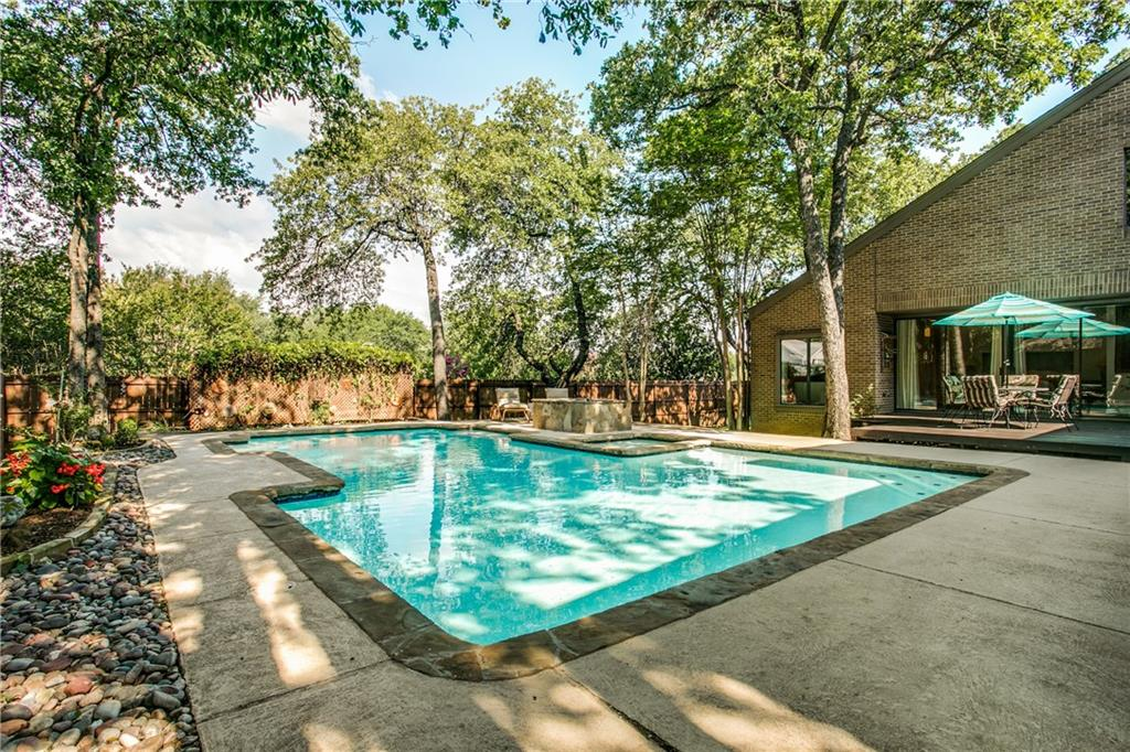 3913 Candlewick Court, Bedford, TX 76021