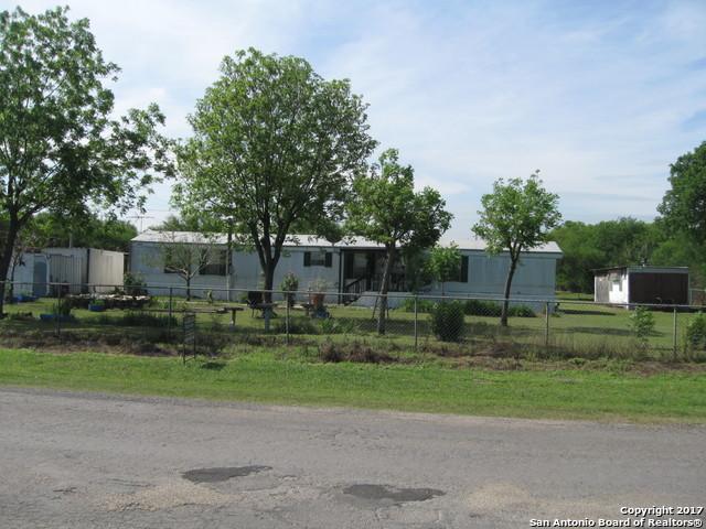 230 County Road 6715, Natalia, TX 78059