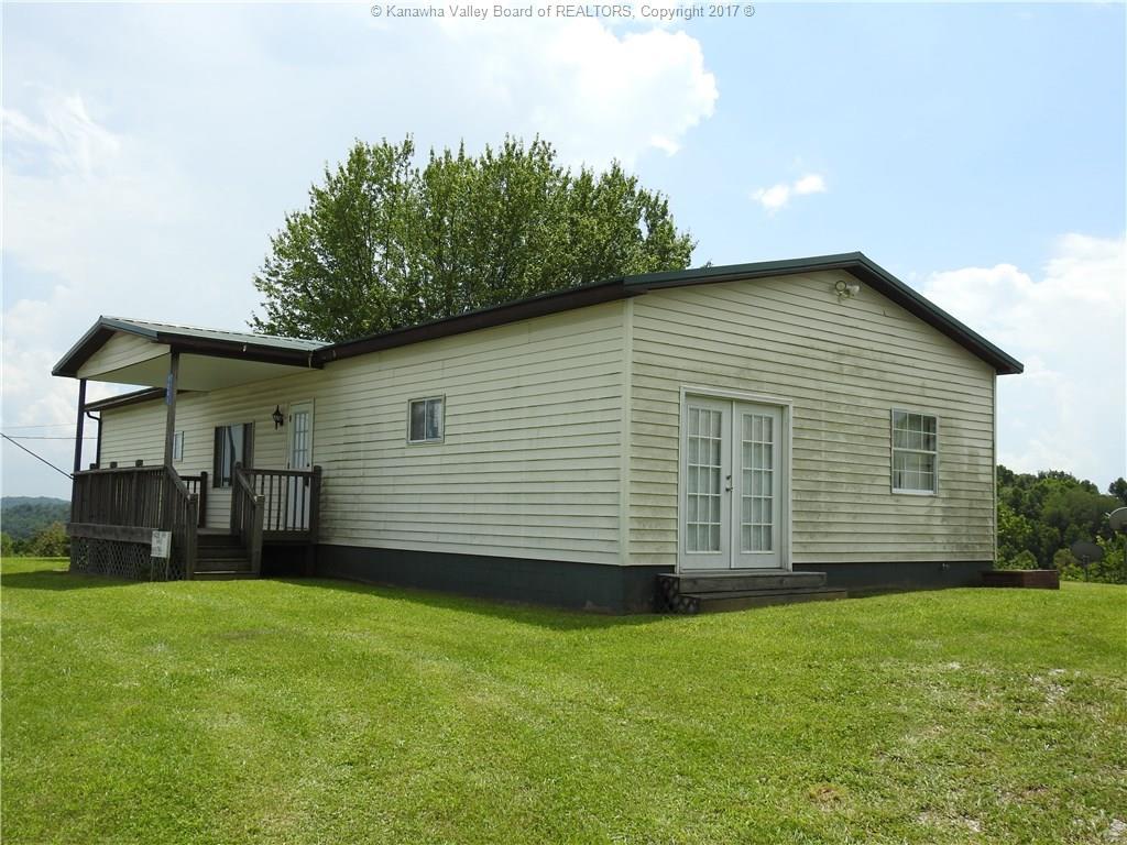 9241 Cooper Ridge Road, Milton, WV 25541
