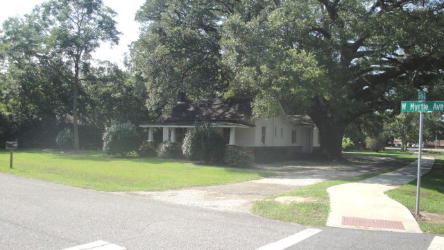 223 W Myrtle Avenue, Foley, AL 36535
