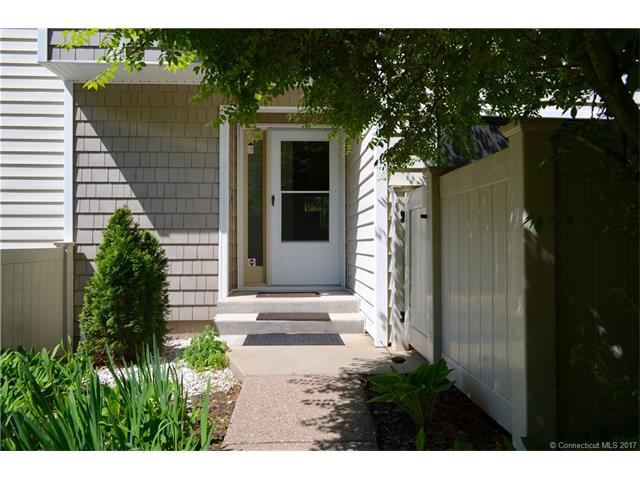 56 Currier Pl #56, Cheshire, CT 06410