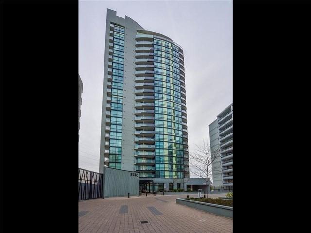5740 Yonge St Ph5, Toronto, ON M2M 4E7