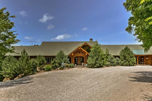 13801 Walnut View Drive, Olathe, KS 66061