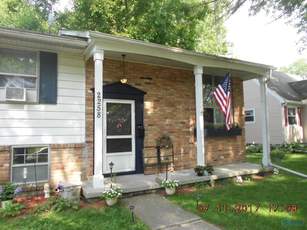 2258 Rose Hill Drive, Toledo, OH 43615