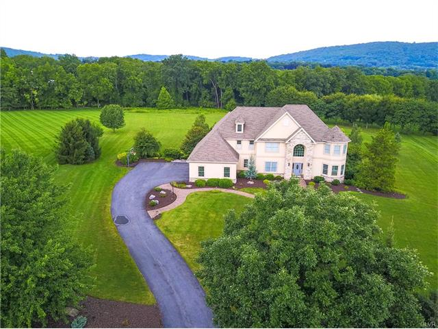 1757 Red Hawk, Lower Saucon Twp, PA 18015