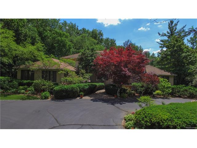 280 WARRINGTON Road, Bloomfield Hills, MI 48304