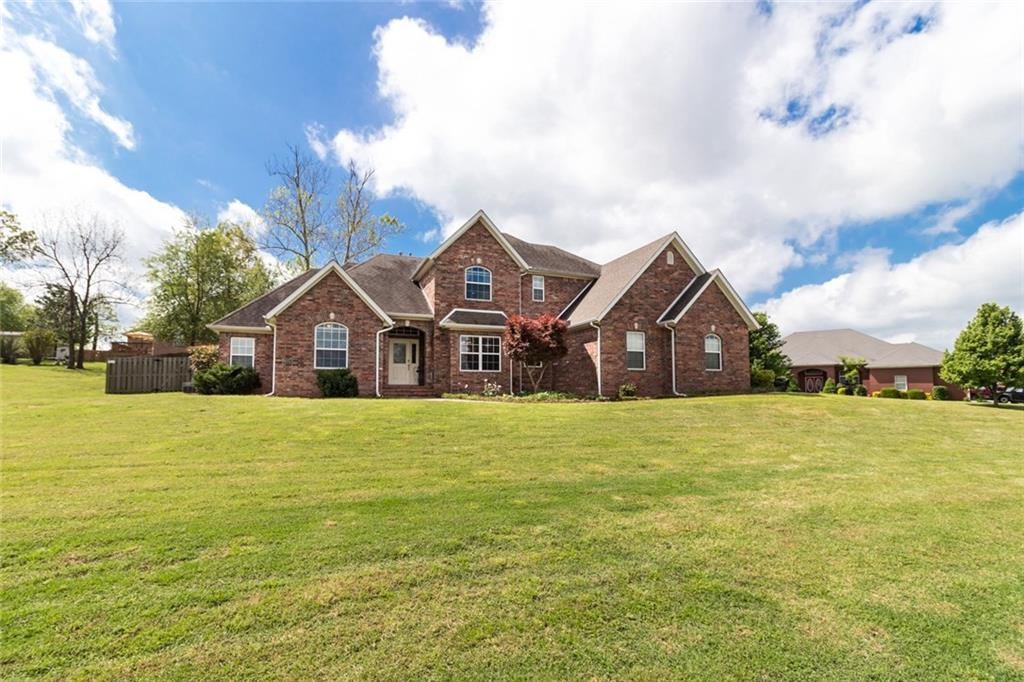 1026 Abbey CT, Cave Springs, AR 72718
