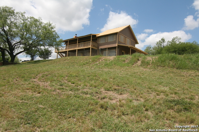 9707 COUNTY ROAD 576, Castroville, TX 78009