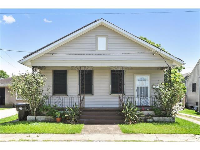 3202 CASTIGLIONE Street, New Orleans, LA 70119