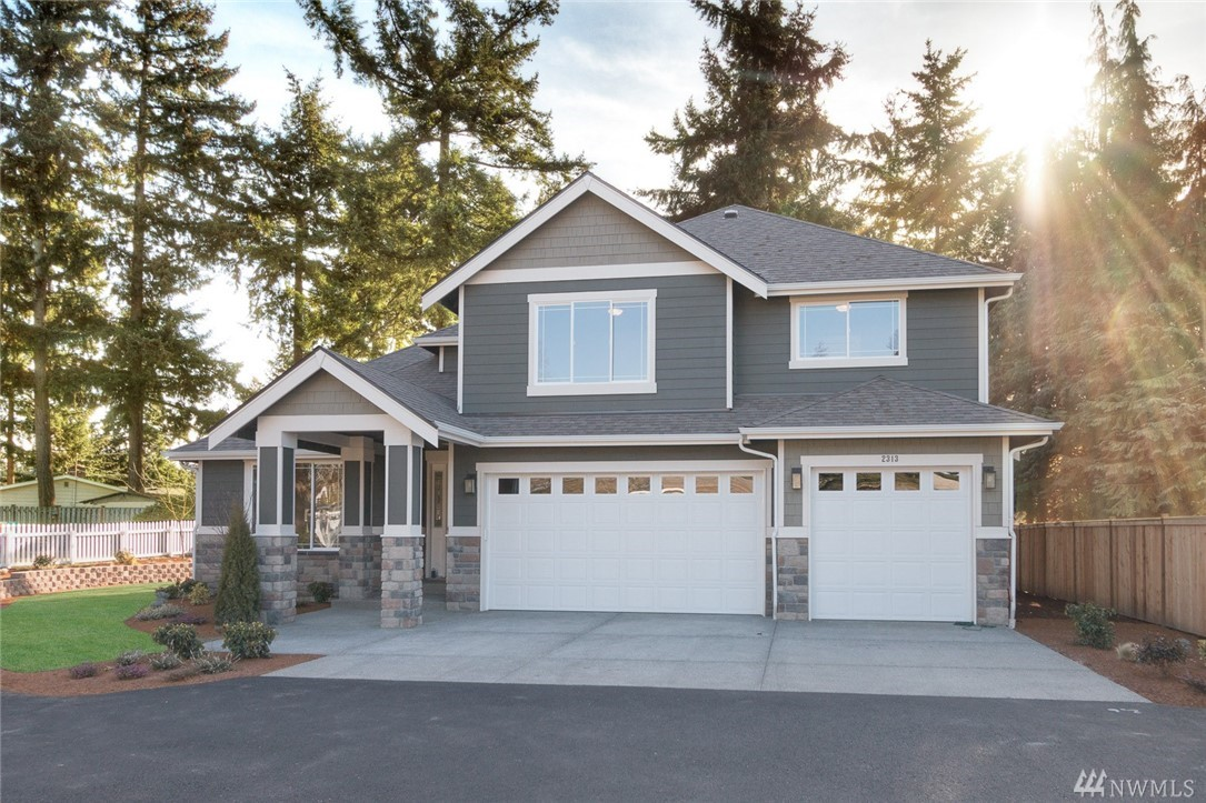 3950 NE 24th St, Renton, WA 98059