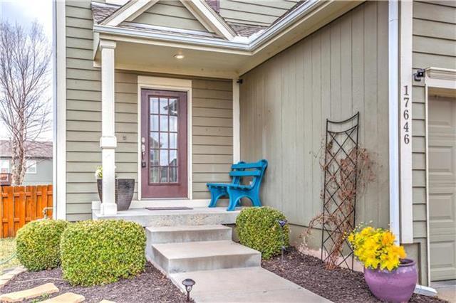 17646 W 160th Terrace, Olathe, KS 66062