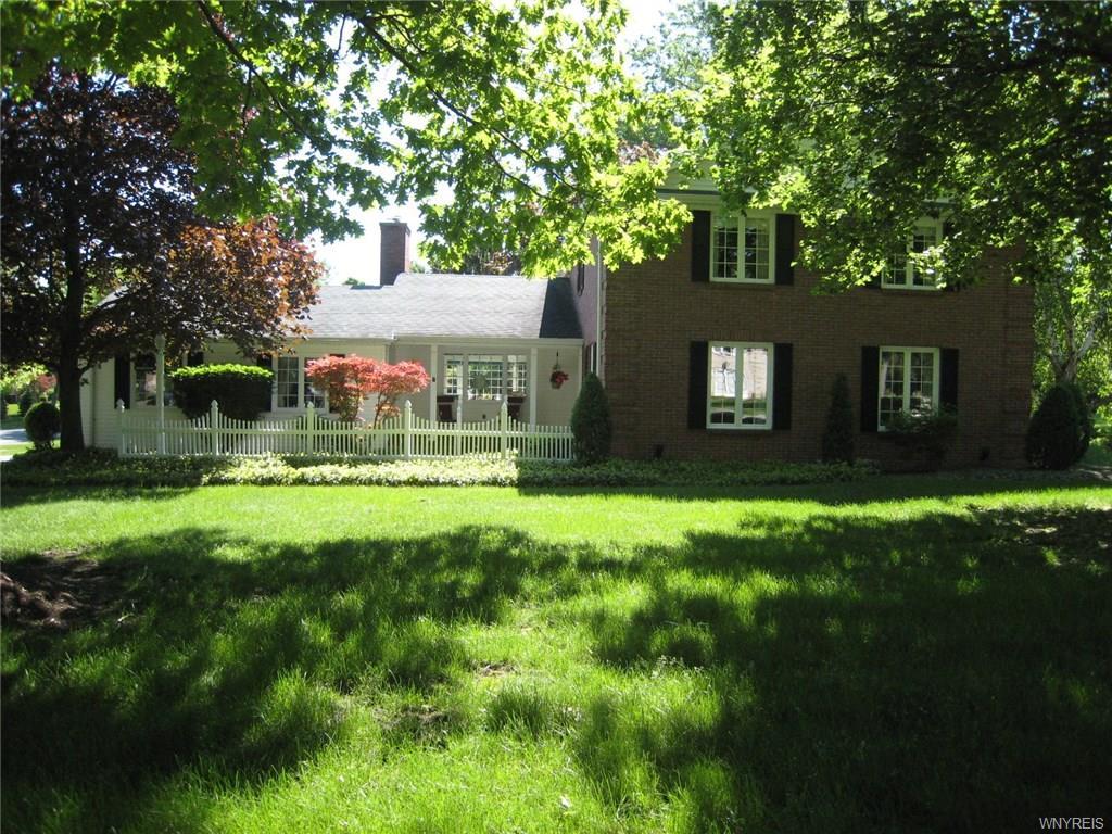11 Brandywine Drive, Amherst, NY 14221