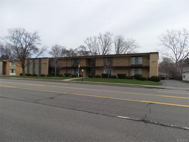 3314 GREENFIELD Road, Royal Oak, MI 48073