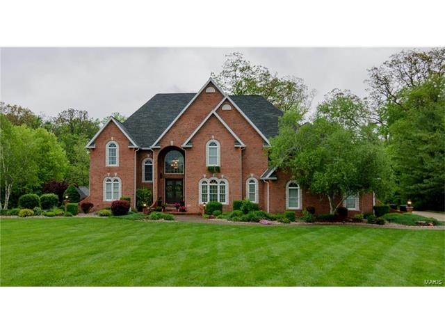 109 Autumn Oaks Lane, Highland, IL 62249