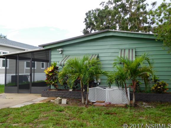 205 Randle Ave, Oak Hill, FL 32759