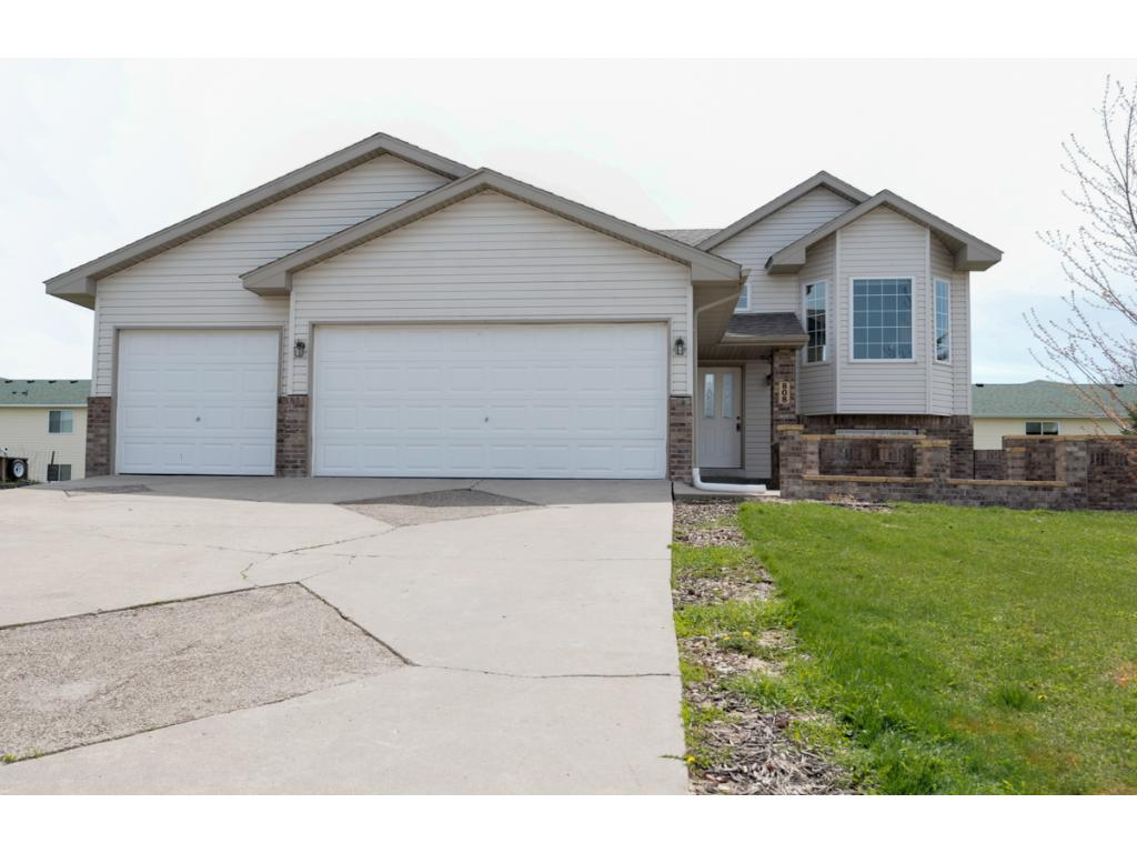 Nicely updated move-in ready home! Freshly painted thru-out w/new carpet & windows 2017. New roof in 2010, furnace & air exchanger in 2008. Blocks from Buffalo Hills Park & Lake Pulaski. 11' vaulted ceiling on upper level w/open floor plan. Kitchen w/hardwood floors, pantry & large bay window. 2 BRs on UL including Master w/walk-thru bath & walk-in closet. Walkout LL w/large family room, 2 more BRs + 3/4 BA. 2 patios & attached 3-car garage! Close to Hwy 55, shopping restaurants & more!
