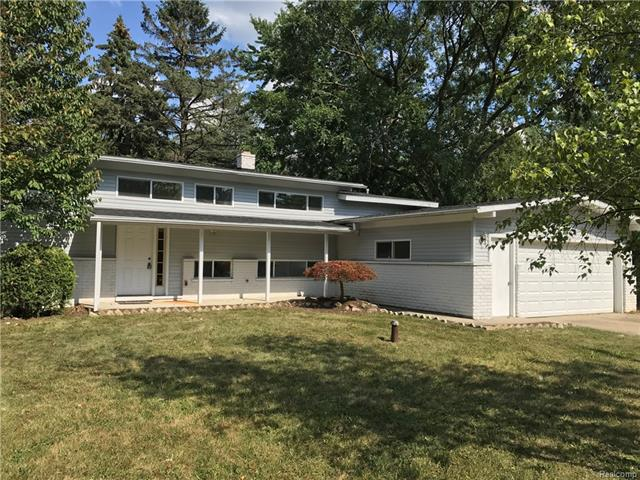 1948 BIG TRAIL Road, Commerce Twp, MI 48390