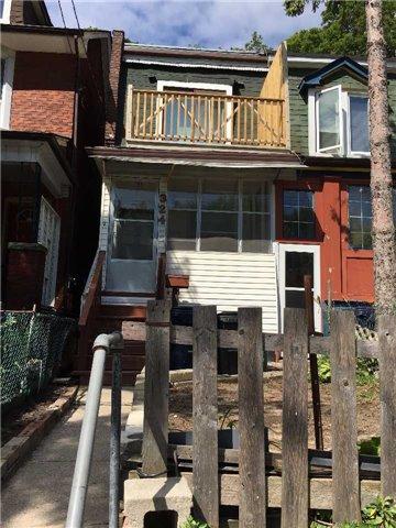 324 Woodfield Rd, Toronto, ON M4L 2X1