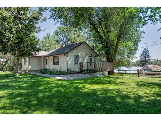 929 Raymond Place, Colorado Springs, CO 80905