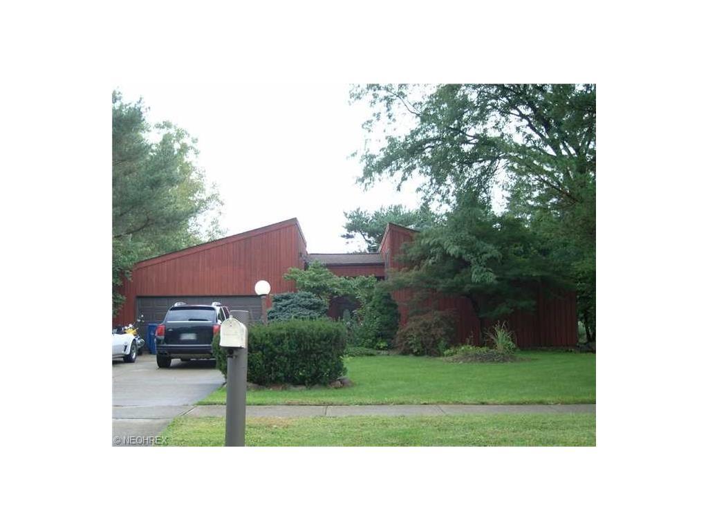 4940 Shady Moss Ln, North Ridgeville, OH 44039