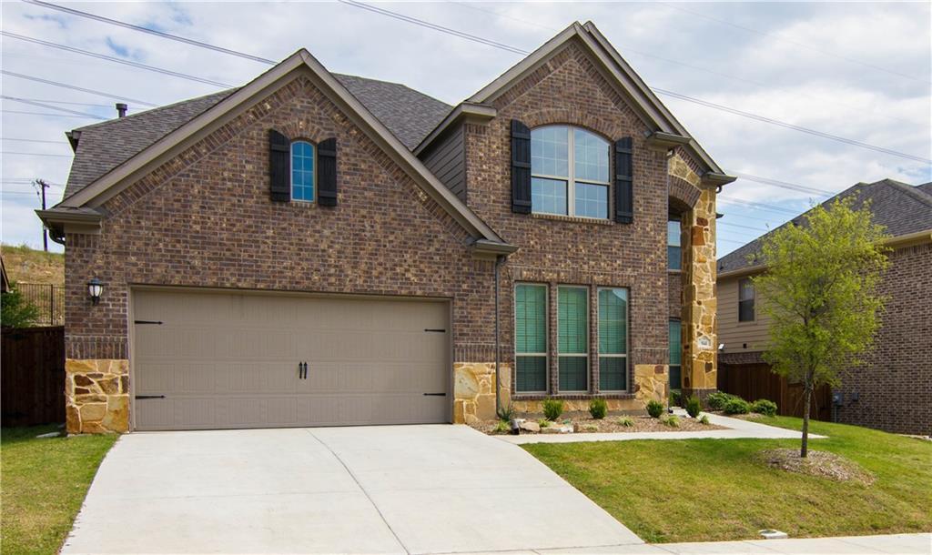 944 Bentley Drive, Roanoke, TX 76262