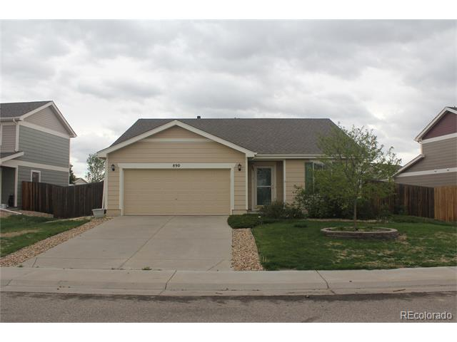 890 Willow Drive, Lochbuie, CO 80603
