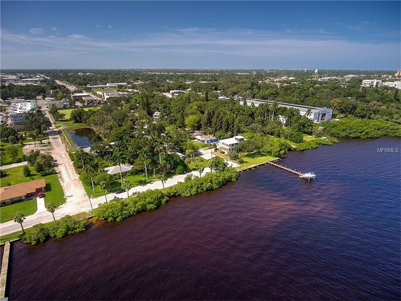 902 RIVERSIDE DRIVE E, BRADENTON, FL 34208