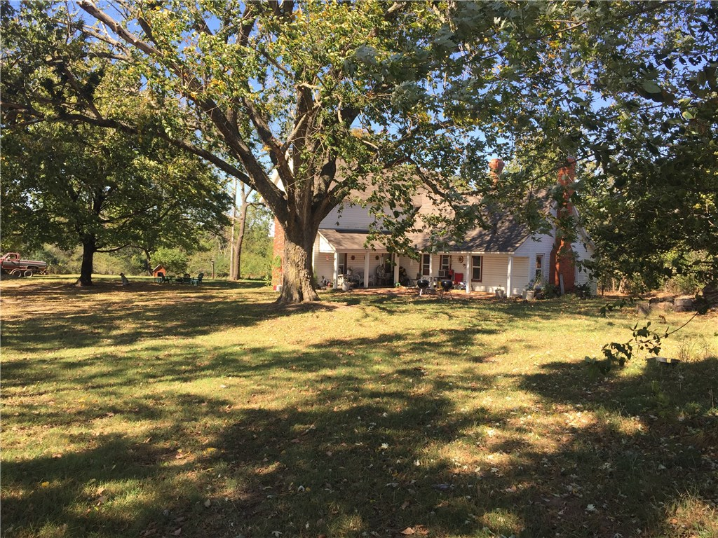 814 Gibson Hill RD, Farmington, AR 72730