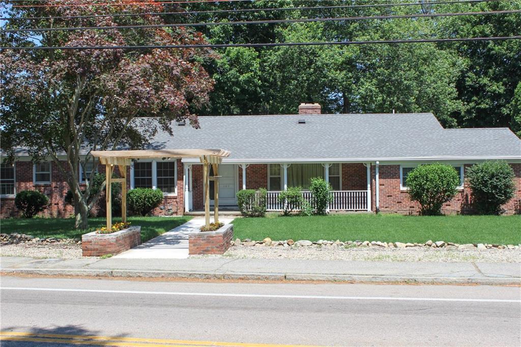 185 SMITHFIELD RD, North Providence, RI 02904