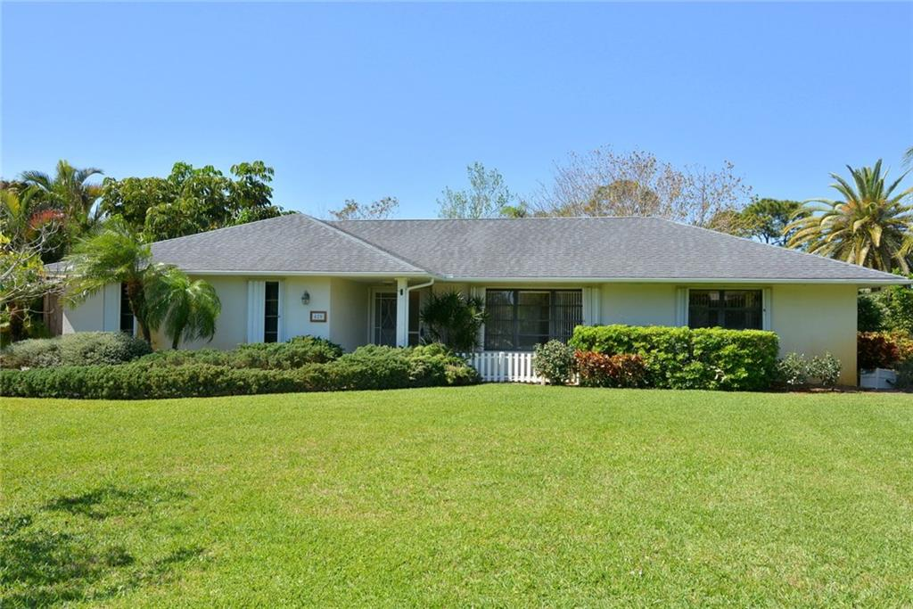 420 NE Town Terrace, Jensen Beach, FL 34957