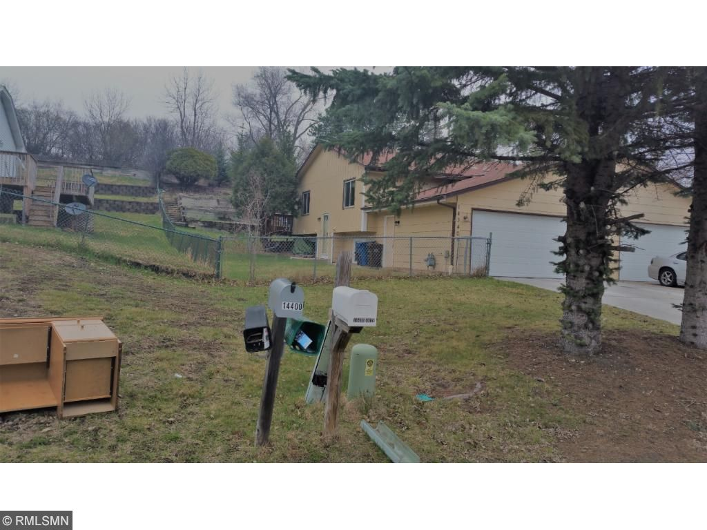 14340 40th Place N, Plymouth, MN 55446