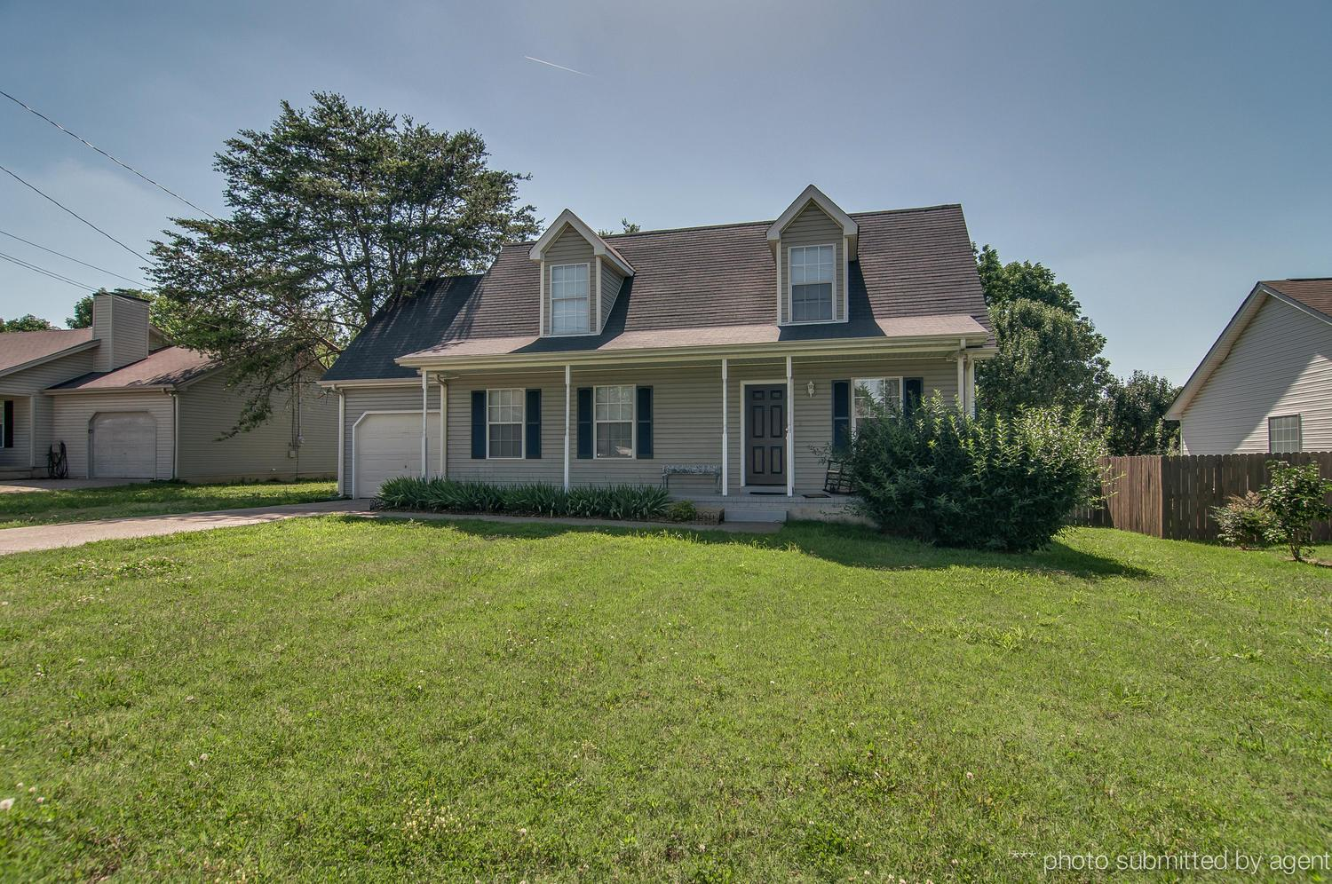 211 Blue Lake Ln, LaVergne, TN 37086