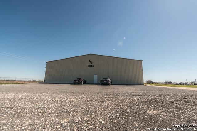 11855 I-10 E, Marion, TX 78124