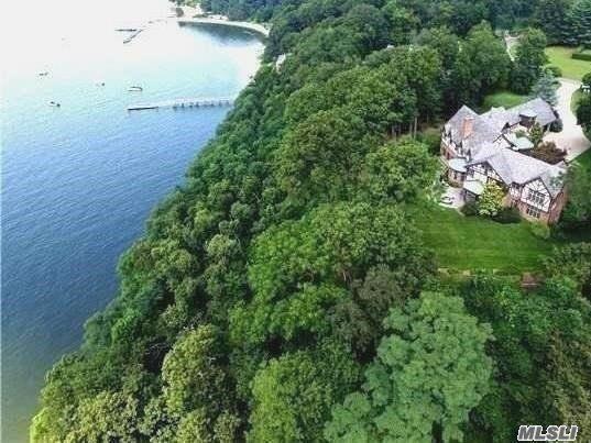 11 Count Rumford Ln, Lloyd Harbor, NY 11743