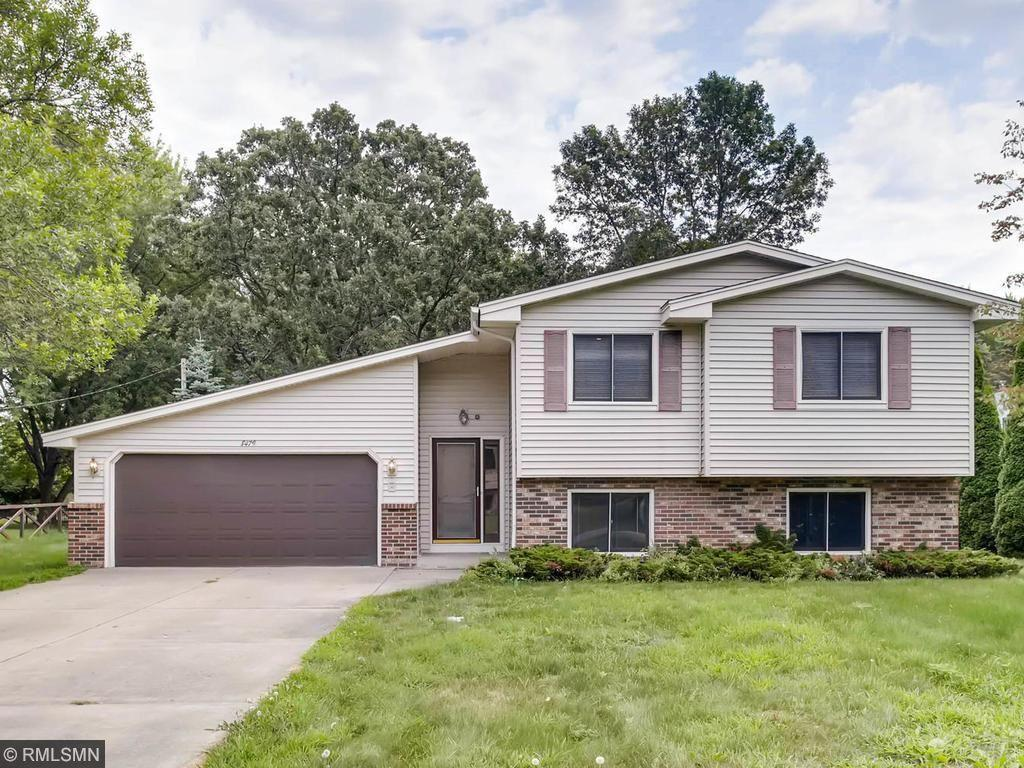 8479 Knollwood Drive, Mounds View, MN 55112