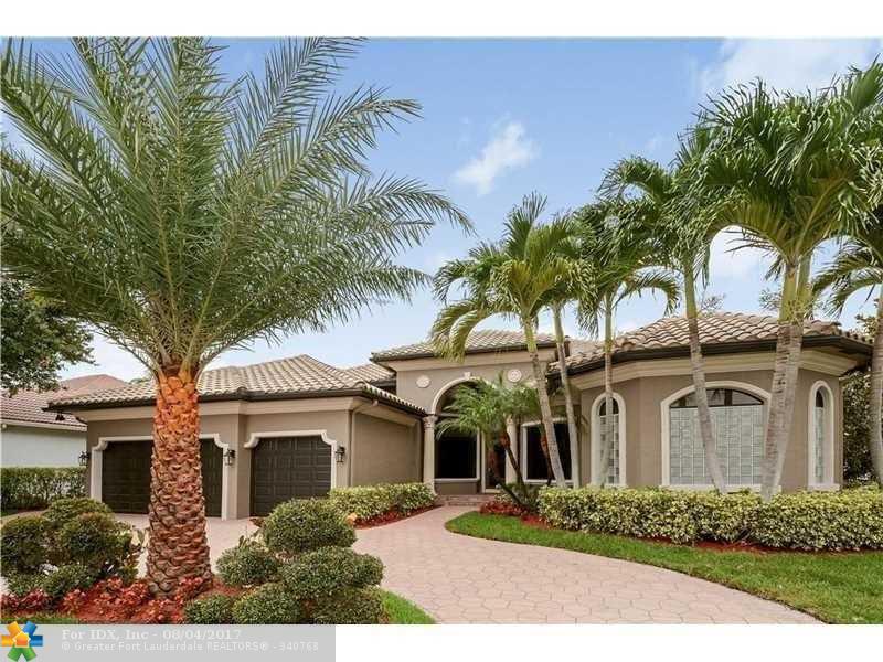 10775 Blue Palm St, Plantation, FL 33324