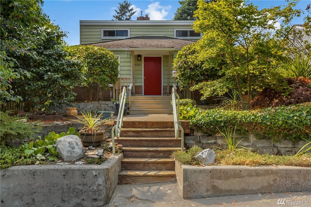 4507 48th Ave SW, Seattle, WA 98116