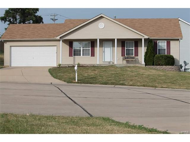 1 Haywood Manor Court, St Peters, MO 63303