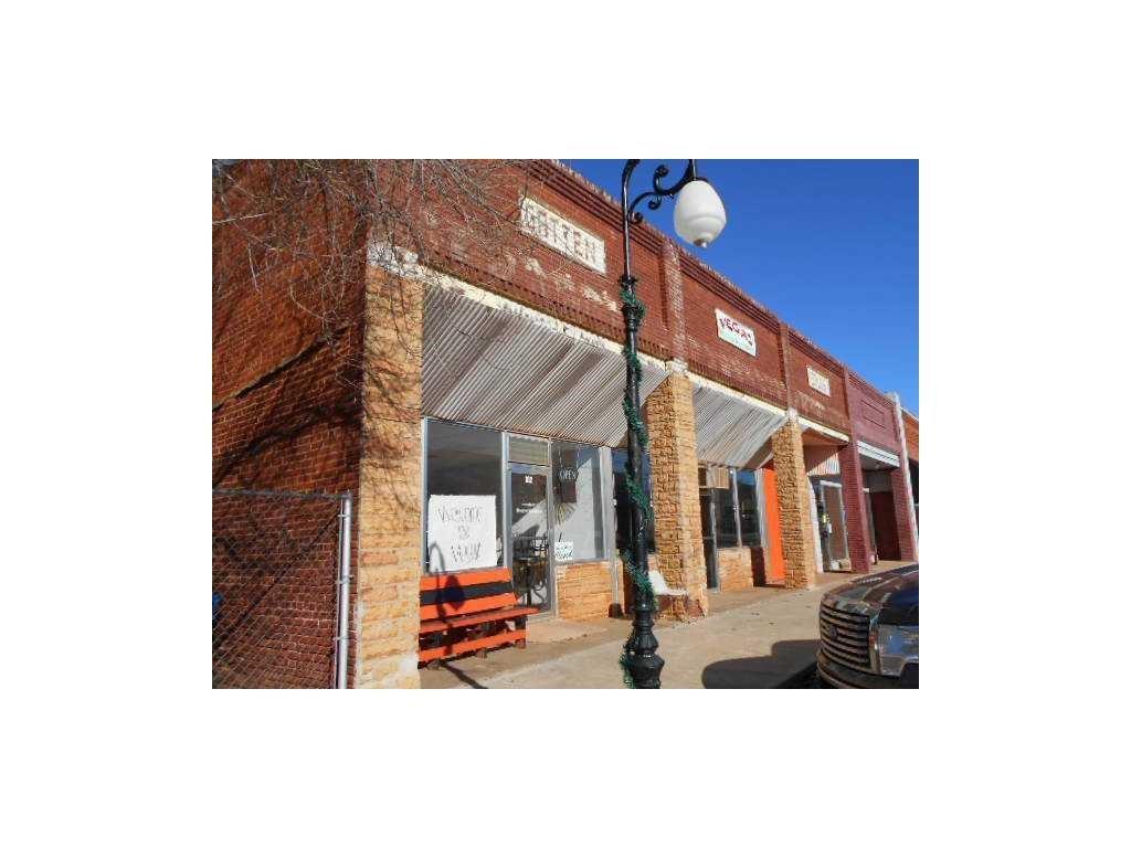 310 E 2nd Street, Wellston, OK 74881