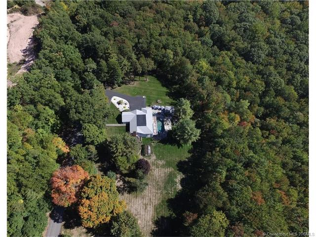 96 Dickinson Road, Glastonbury, CT 06073