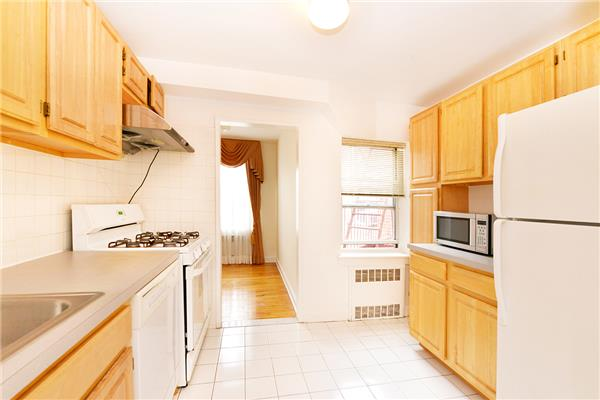 65-35 Yellowstone Blvd 6-A, Queens, NY 11375