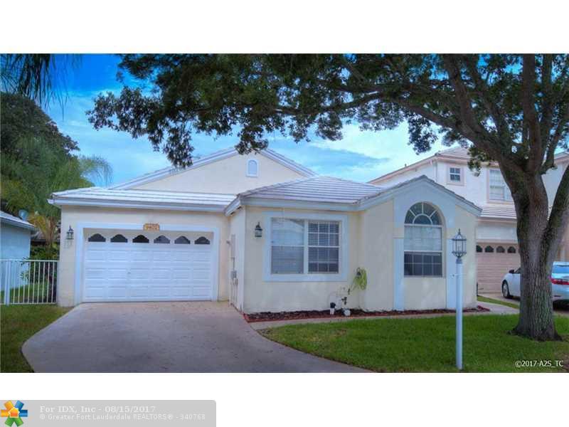 9402 NW 8th Cir, Plantation, FL 33324