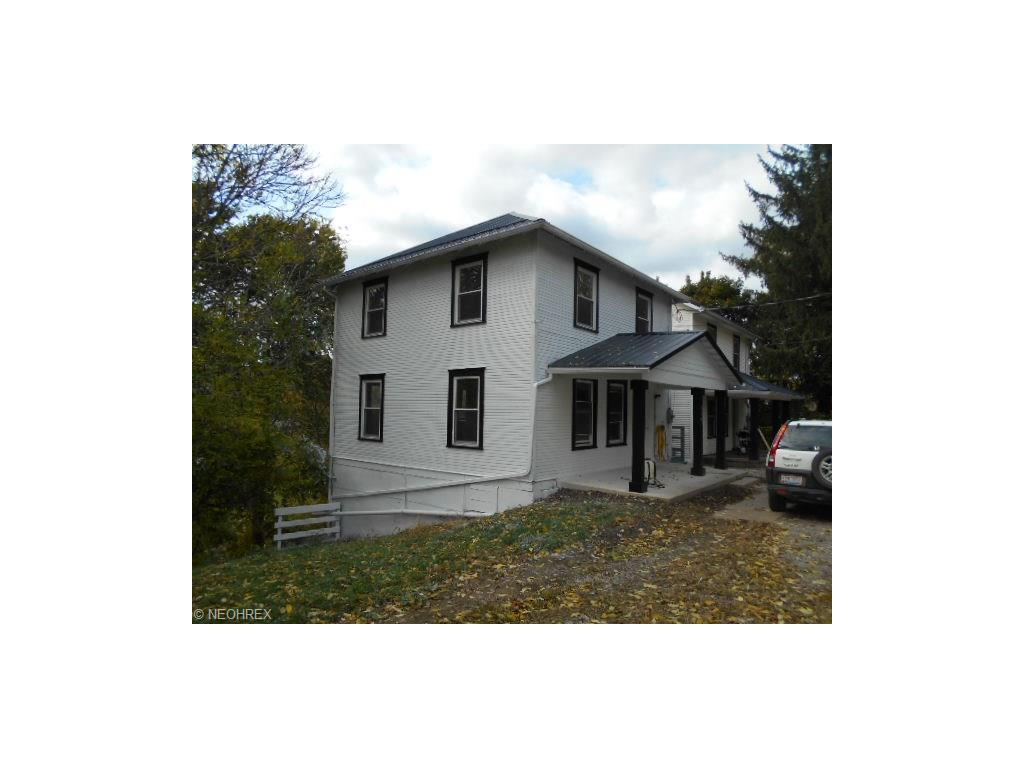 339 Pine St, Coshocton, OH 43812