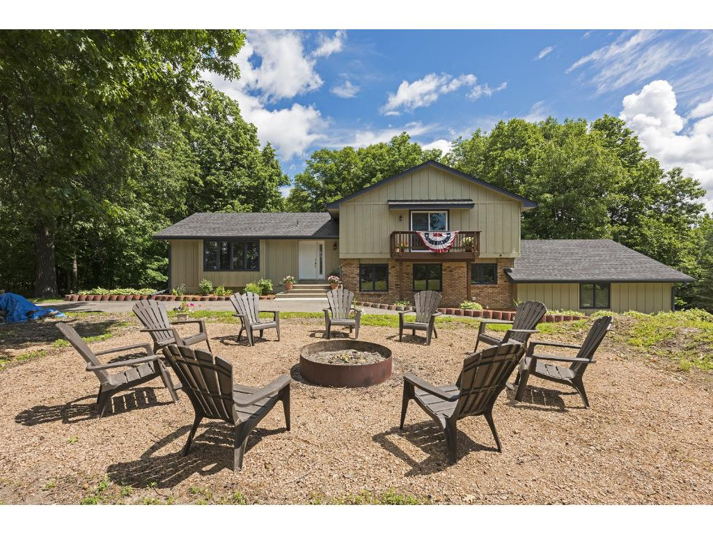 6600 Bayview Drive, Victoria, MN 55331