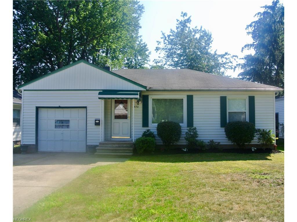 870 Rokeby Rd, Eastlake, OH 44095